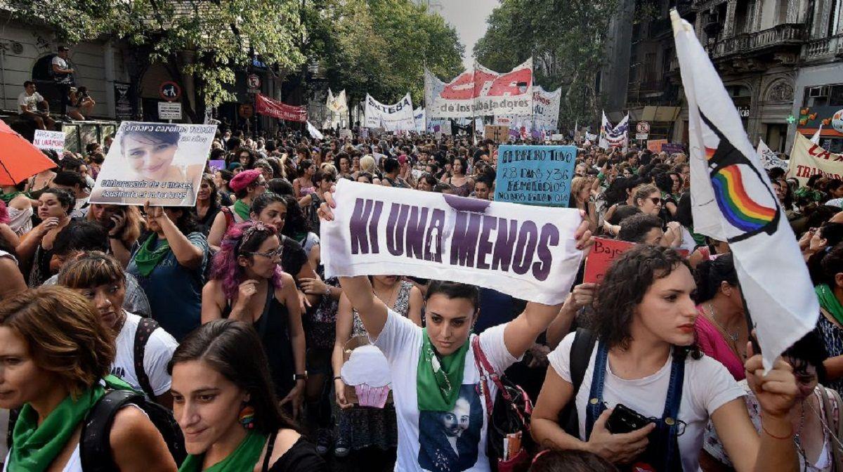 Miles de mujeres marchan en un nuevo aniversario de la primera marcha de Ni una Menos