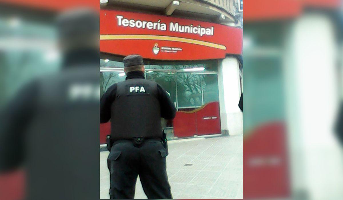 Allanaron la Municipalidad de Paraná por una causa por narcotráfico