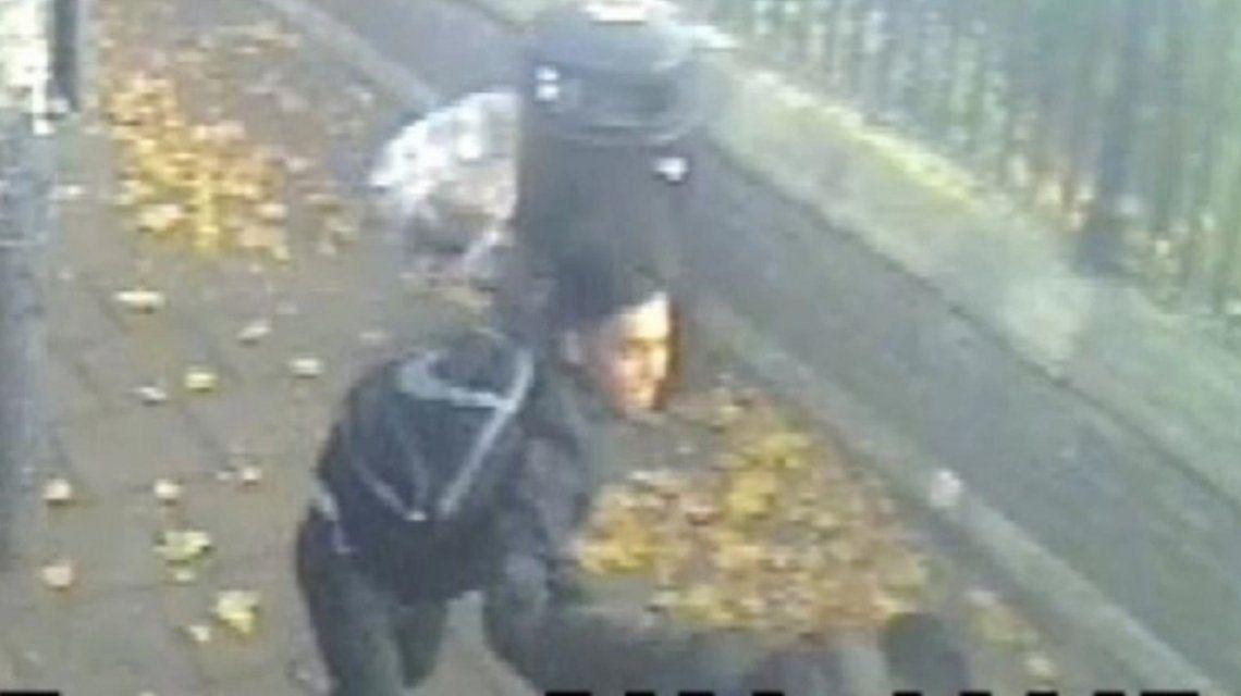 VIDEO: Un joven atacó a otro con un martillo y es intensamente buscado