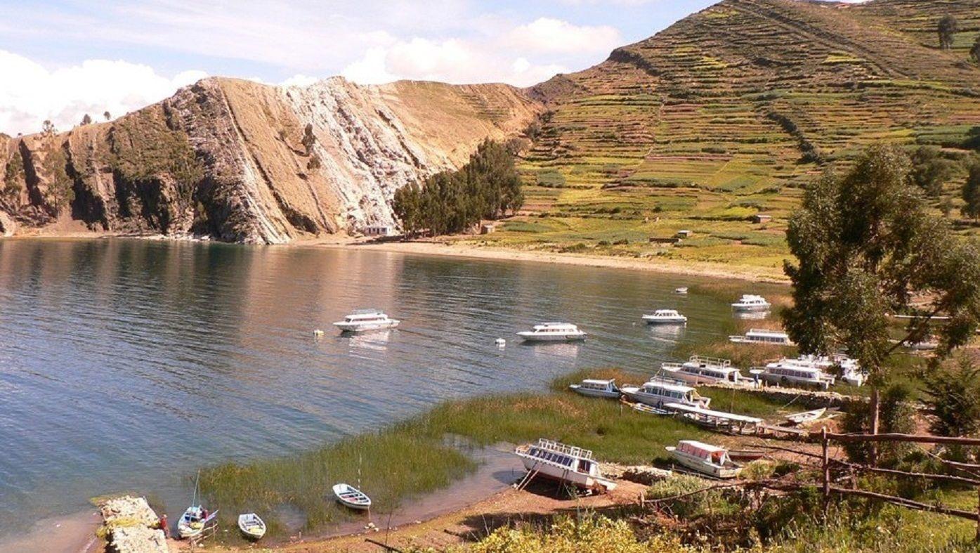El turista argentino de 42 años cayó de una embarcación cuando se dirigía hacia la isla del Sol