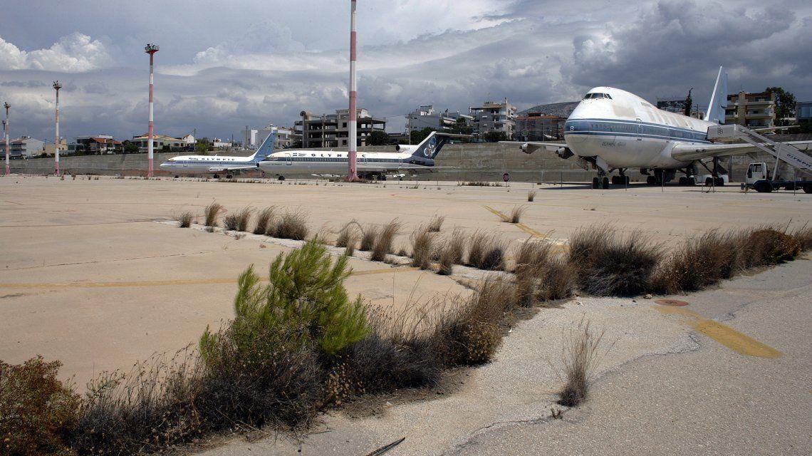 El abandonado Aeropuerto Internacional de Ellinikon es un símbolo de las ruinas del FMI en Grecia