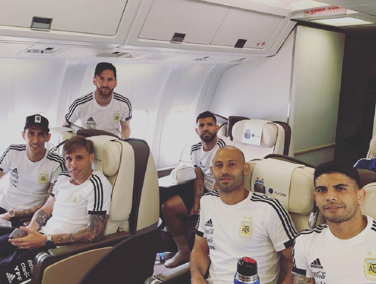 La Selección ya está en camino a Rusia...¡¡¡en un avión muy rockero!!!