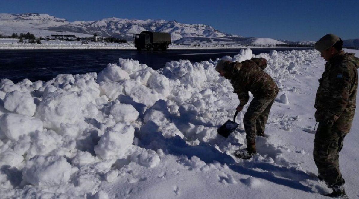 Temporal de nieve en Neuquén -@Ejercito_Arg