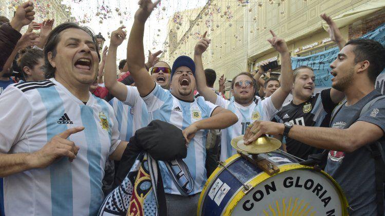 Los hinchas argentinos están comenzando a copar Moscú