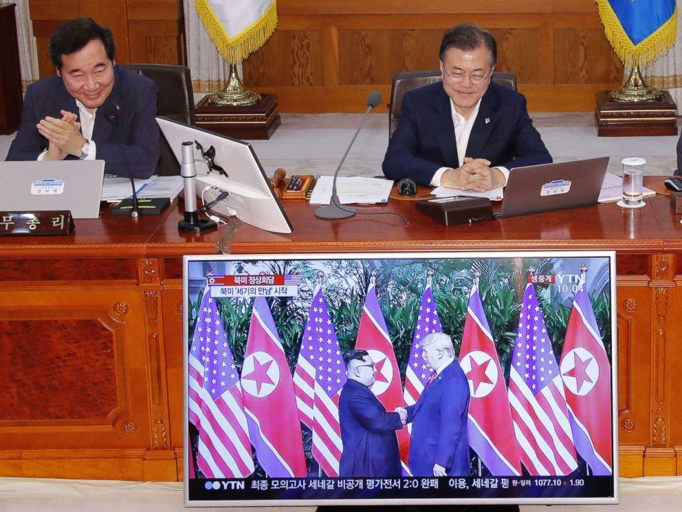Moon Jae-in mira la cumbre de Trump con Kim Jong-Un