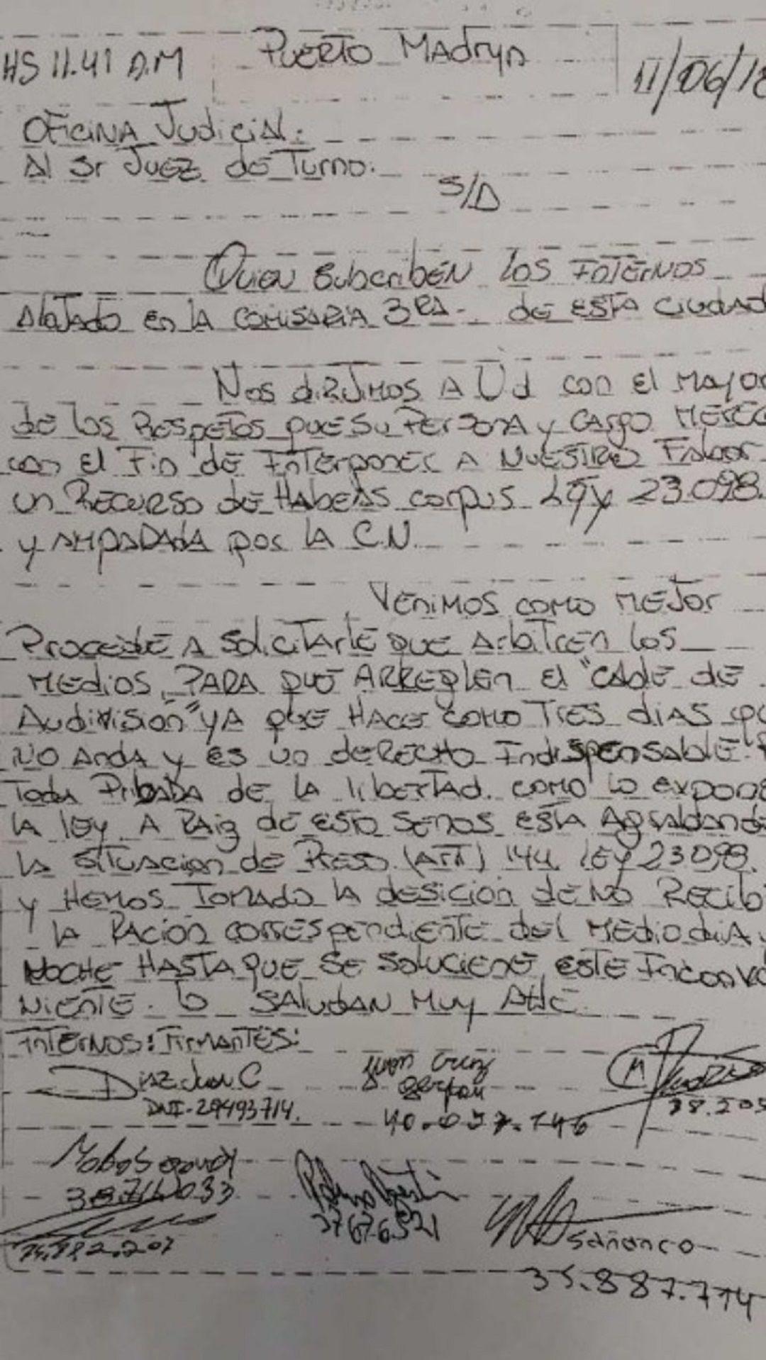 La nota que enviaron al juez de turno de la oficina judicial.