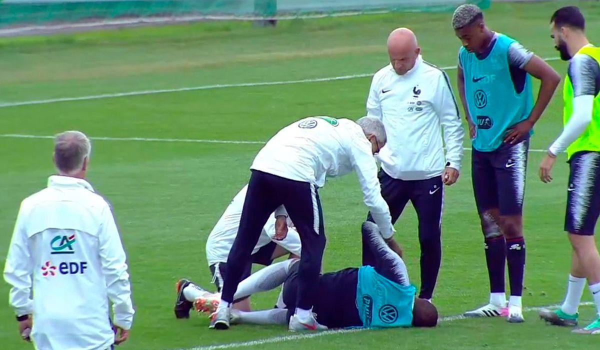 Alerta en Francia: Mbappé salió lesionado por un golpe en el tobillo