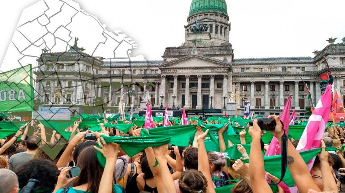 No prosperó la maniobra dilatoria de Michetti: quitaron una comisión y se vota el 8 de agosto el aborto legal