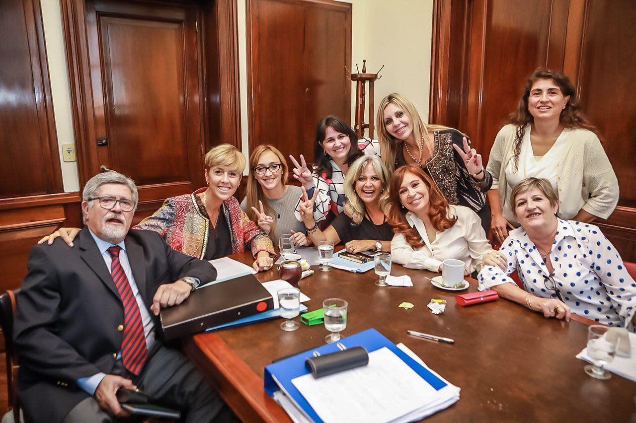 Los senadores del FPV apoyan la despenalización del aborto