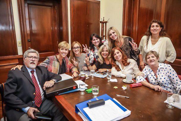 Los senadores del FPV apoyan la despenalización del aborto<br>