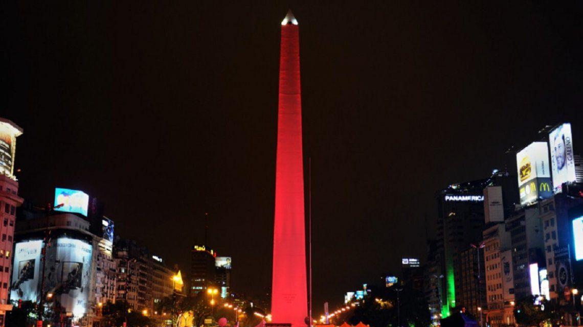 ¿Por qué el Obelisco se teñirá hoy de violeta?