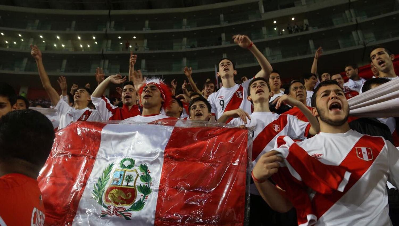 Un fanático aumentó 25 kilos para poder ir a los partidos de Perú