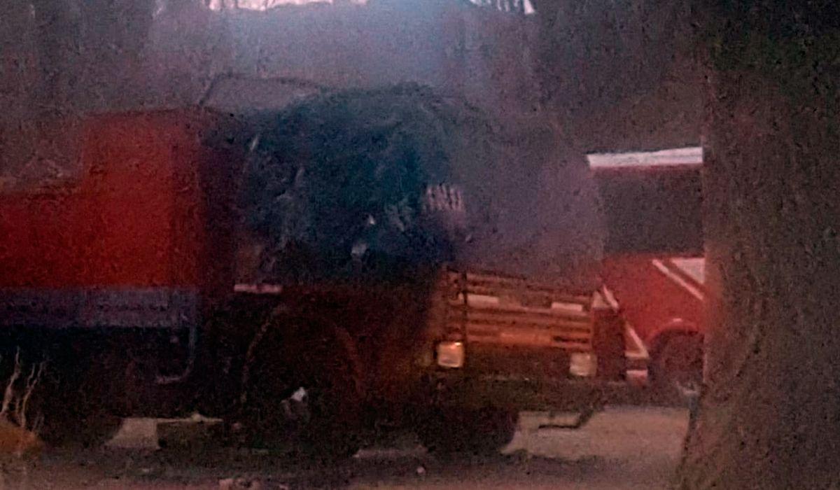 Así quedó la cabina del camión calcinado
