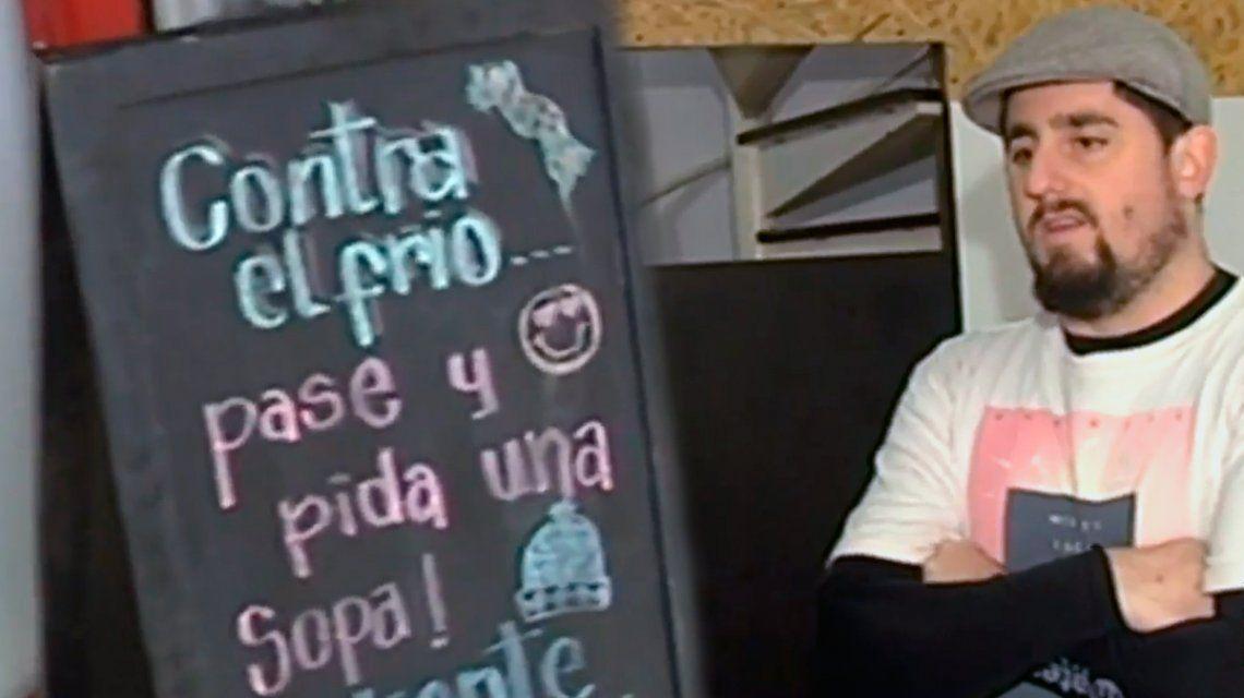 Una sanguchería regala sopa a quien la necesite en La Plata