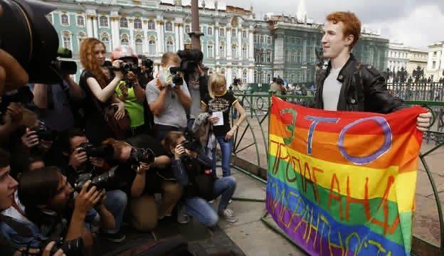 Una pareja homosexual fue brutalmente golpeada durante el Mundial