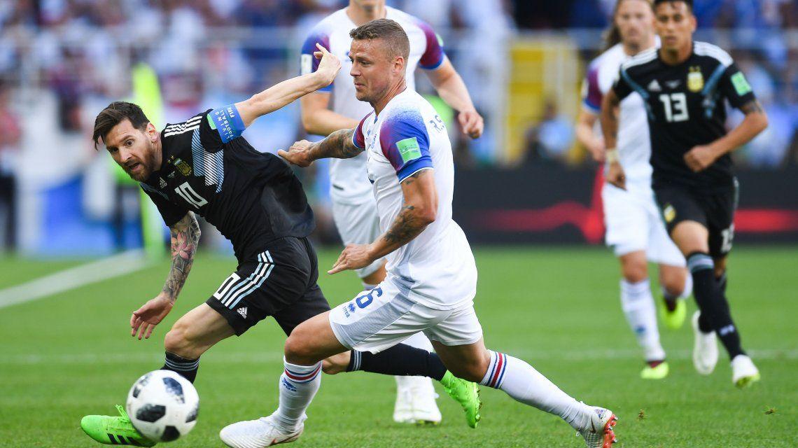Impensado: el penal que el arquero Halldorsson le tapó a Messi