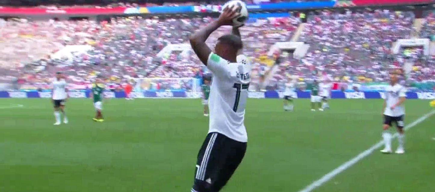 Boateng sacó mal un lateral ante México