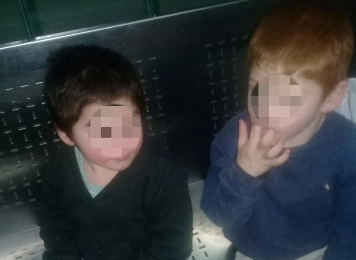 Tres hermanitos fueron rescatados y ahora se los disputan dos abuelas