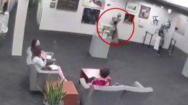 Rompe, paga: un nene destruyó una estatua y los padres deben abonar US$132 mil