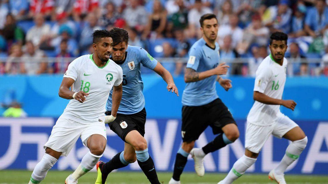 Uruguay derrotó a Arabia con gol de Suárez y saca pasaje a octavos de final