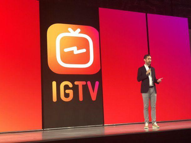 Kevin Systrom, CEO de Instagram, presentando IGTV