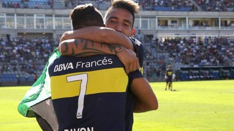 Ricardo Centurión bancando a Cristian Pavón
