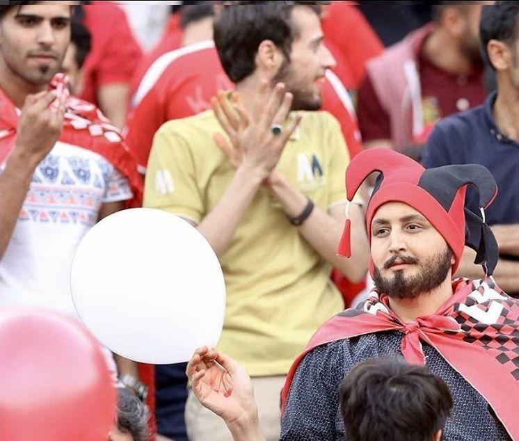 La historia de la mujer iraní que se viste de hombre para poder ver el partido de su selección