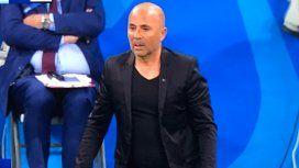 Jorge Sampaoli, víctima de memes por su look