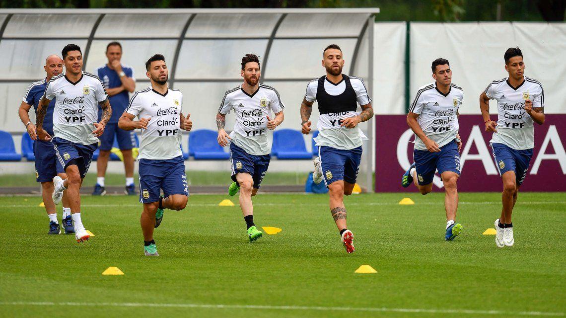 La Selección argentina adelantó su entrenamiento para ver Islandia-Nigeria