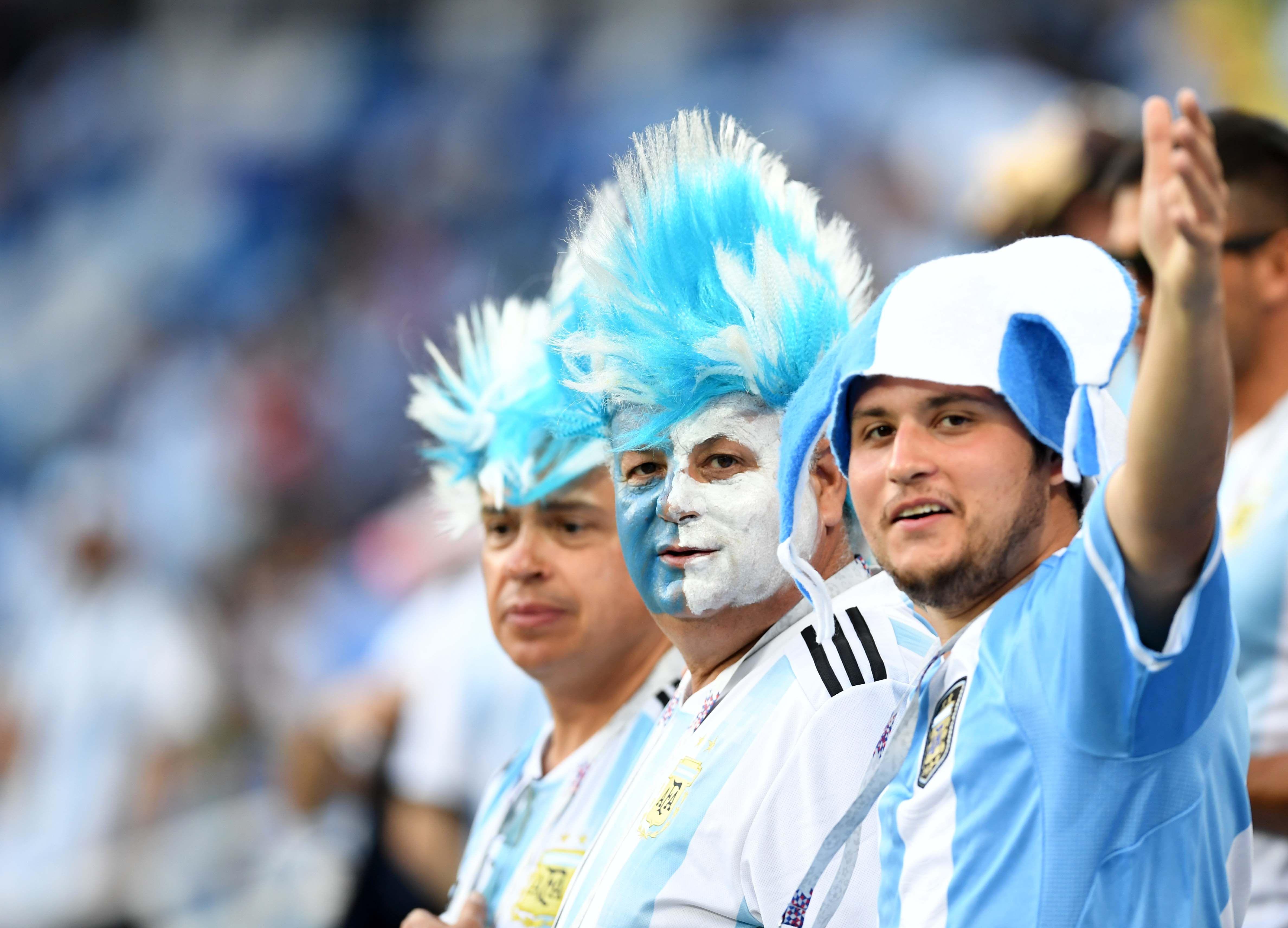 Último recurso: los hinchas argentinos y un canto inaudito tras la goleada en Nizhni