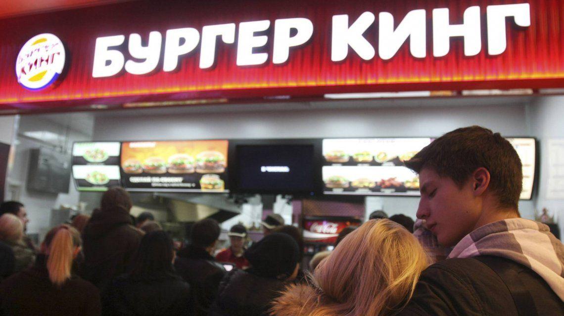 Hamburguesas gratis de por vida, la promo machista que indigna a todo Rusia