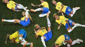 Los memes de Neymar después de fingir una falta