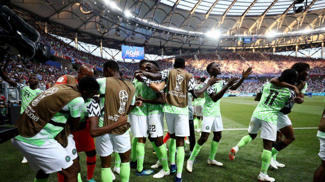 ¡Lo gritamos todos! Nigeria venció a Islandia y Argentina mantiene sus chances