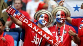 El festejo de los panameños por el primer gol en un Mundial de su historia