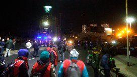 Tensión en el Puente Pueyrredón por prefectos que quedaron entre manifestantes