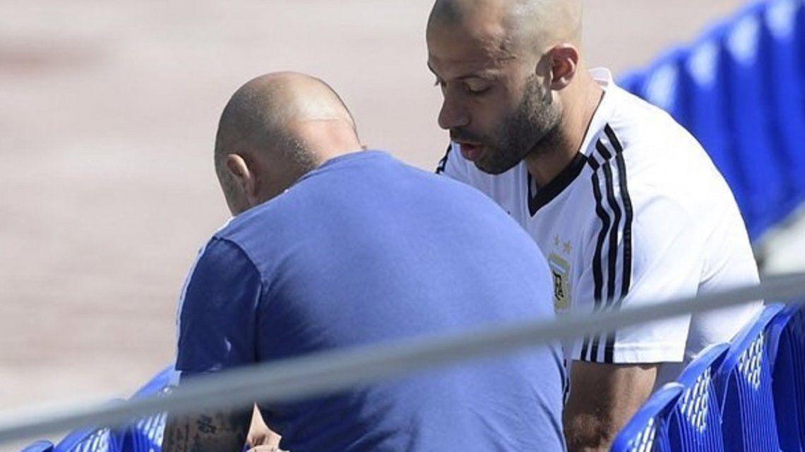 Mascherano explotó y se descargó tras los rumores sobre su charla con Sampaoli