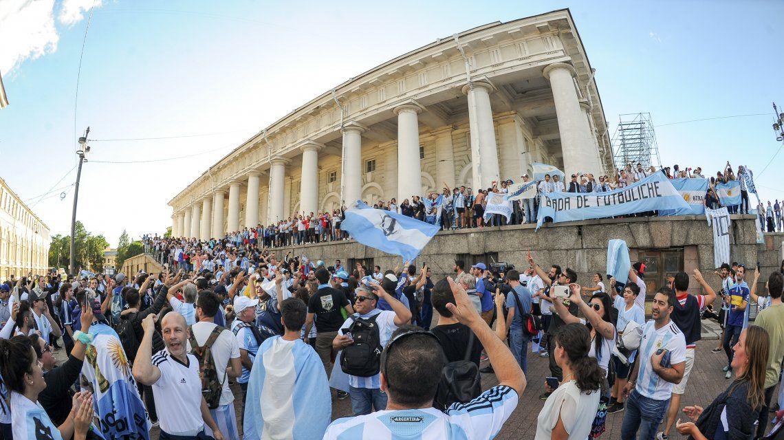 Hinchas argentinos coparon San Petersburgo