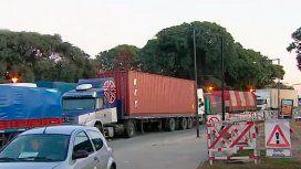 Camioneros autoconvocados cortan el tránsito en Lugones y Dorrego