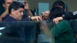 El baile de Diego: Maradona se buscó una compañera y deslumbró con sus pasos