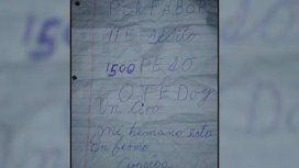 El hombre reclamó $1500 con una nota y un arma