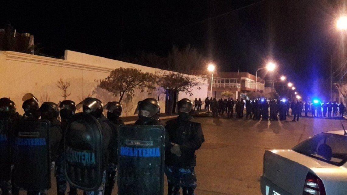 Chubut: violenta represión a docentes que reclaman una resolución a la paritaria