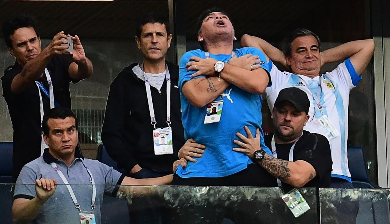 Diego vivió a su manera la clasificación de Argentina