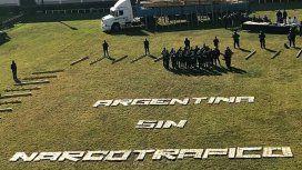 Argentina sin narcotráfico escrito con panes de marihuana