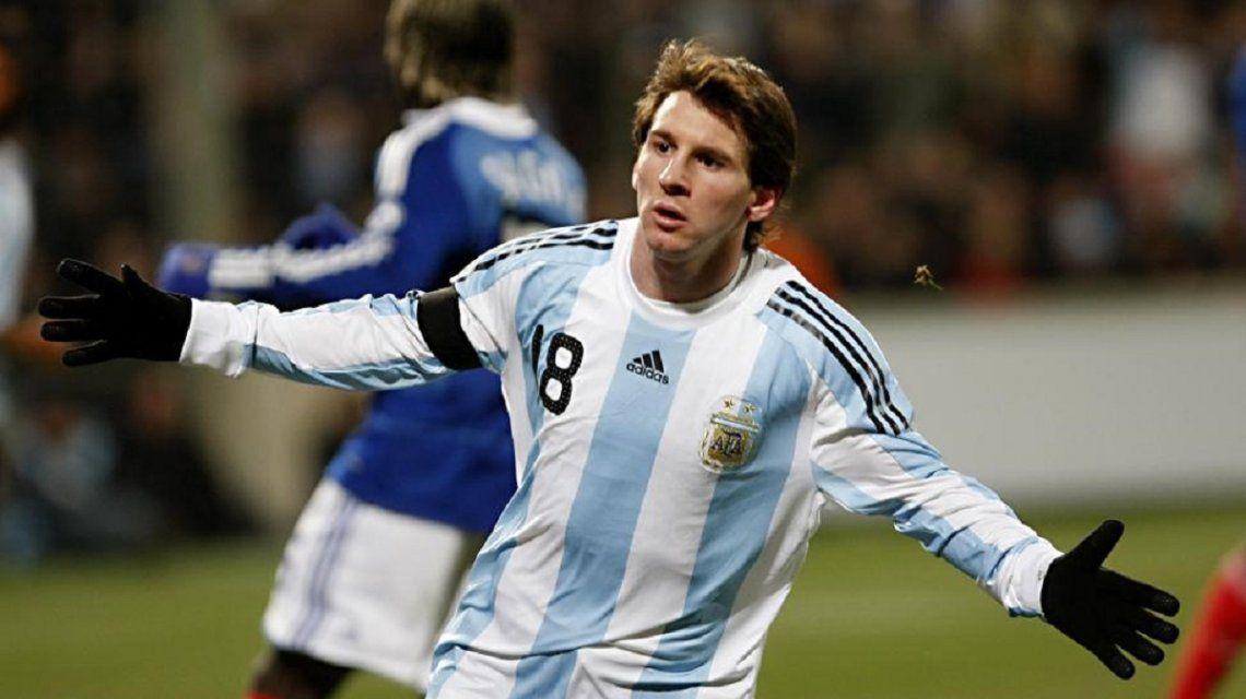 Messi con la 18 en el pecho y el dorsal por última vez