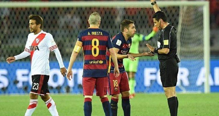 Confirmaron los árbitros que dirigirán Argentina-Francia: ¡hay un chileno!