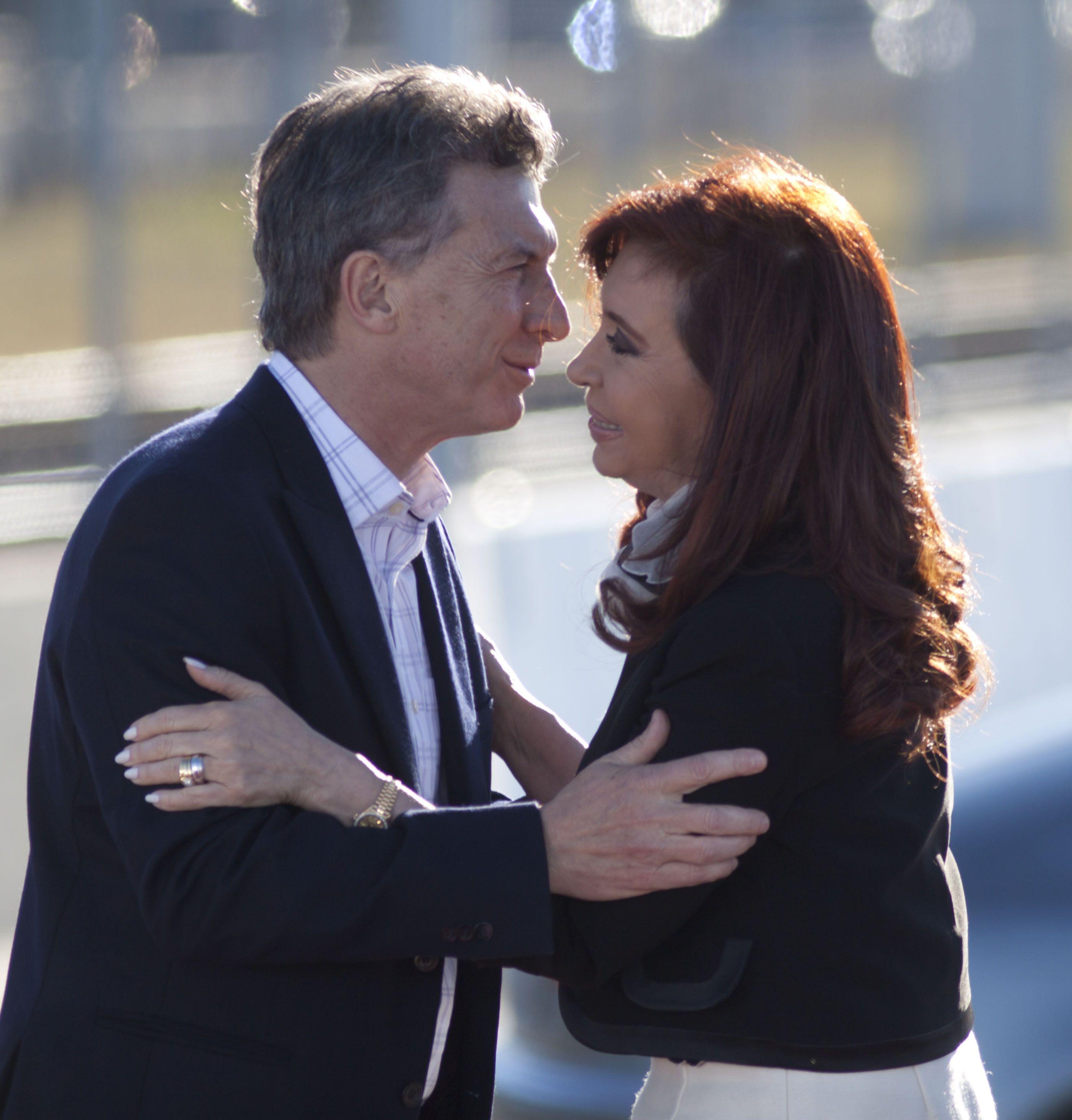 Mauricio Macri y Cristina Fernández de Kirchner en 2014