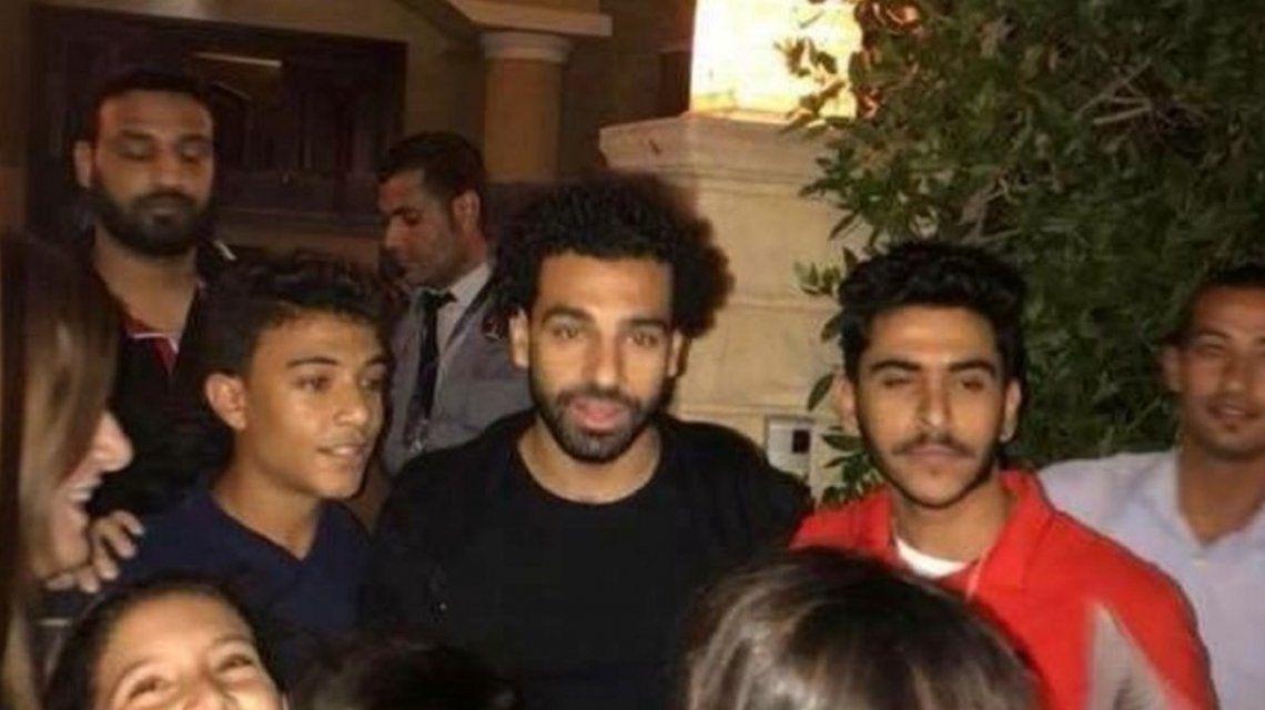 Mohamed Salah tuvo que llamar a la Policía para salir de su casa: ¿qué pasó?