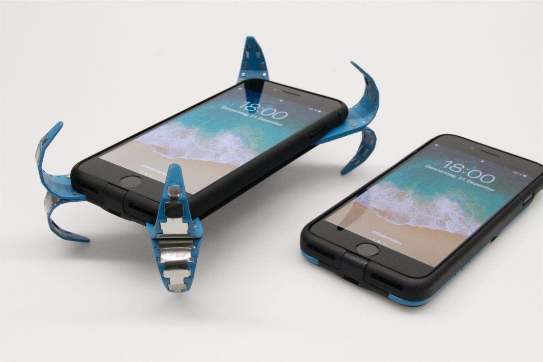 Una funda de celular que tiene airbag