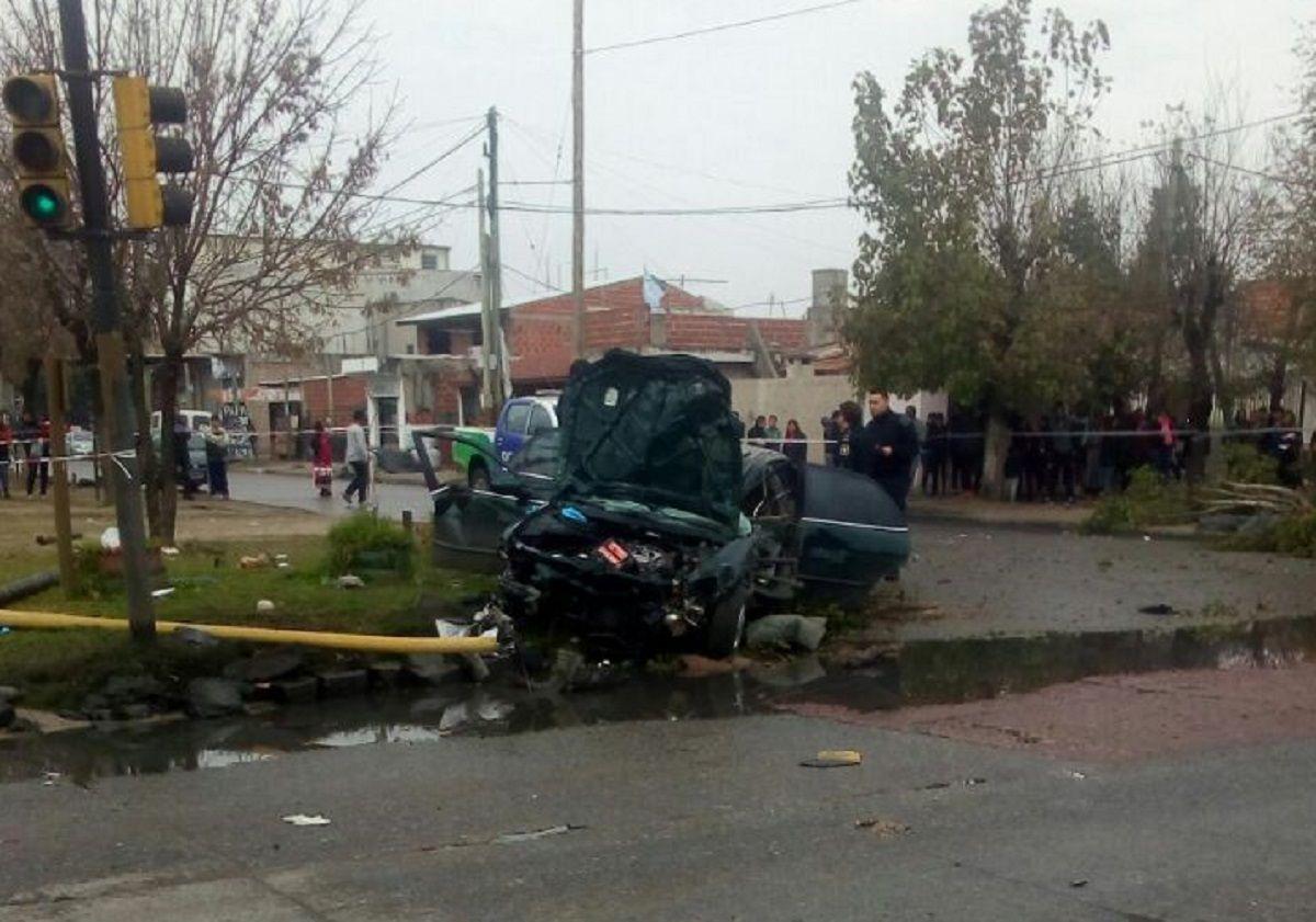 Terrible accidente: perdió el control, volcó y mató a dos personas