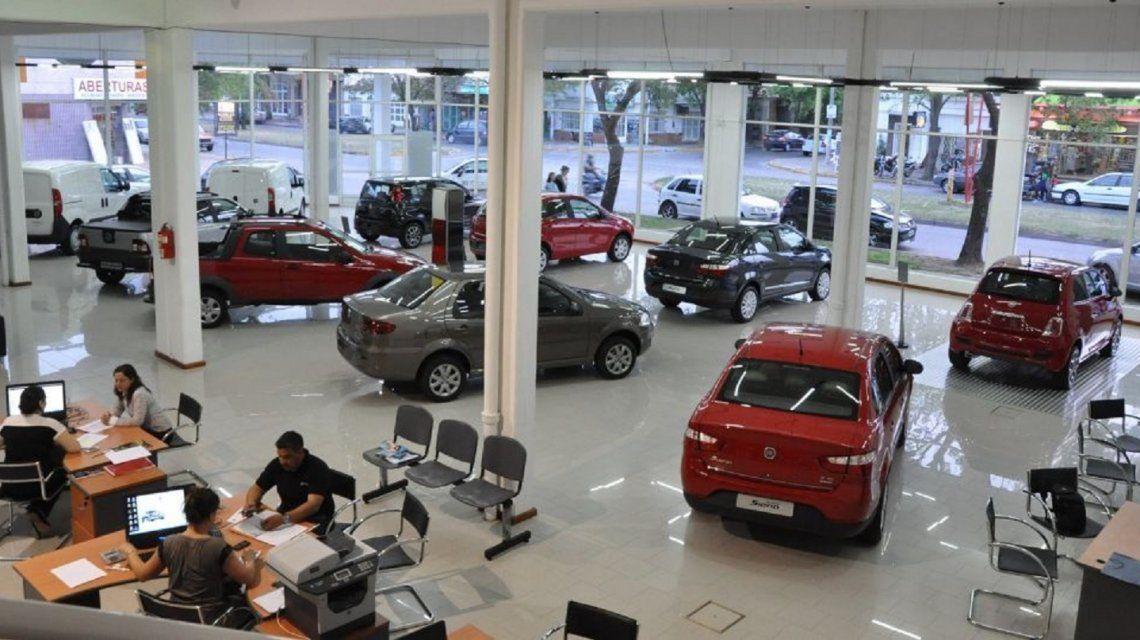 La venta de autos 0KM bajó por primera vez en 2 años y anticipan fuerte caída para el segundo semestre